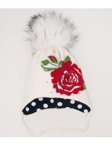 Шапка зимняя для девочек молочного цвета с красной розой Santa Maria